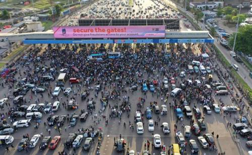 BREAKING Nigerian Government Threatens To Deal With #OccupyLekkiTollgate Protesters